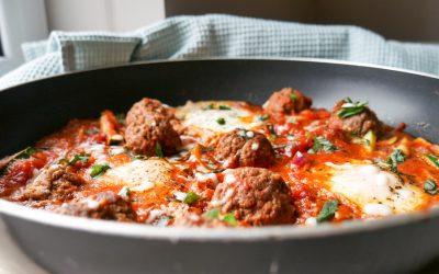 Shakshuka med kjøttboller – middag fri for karbohydrater