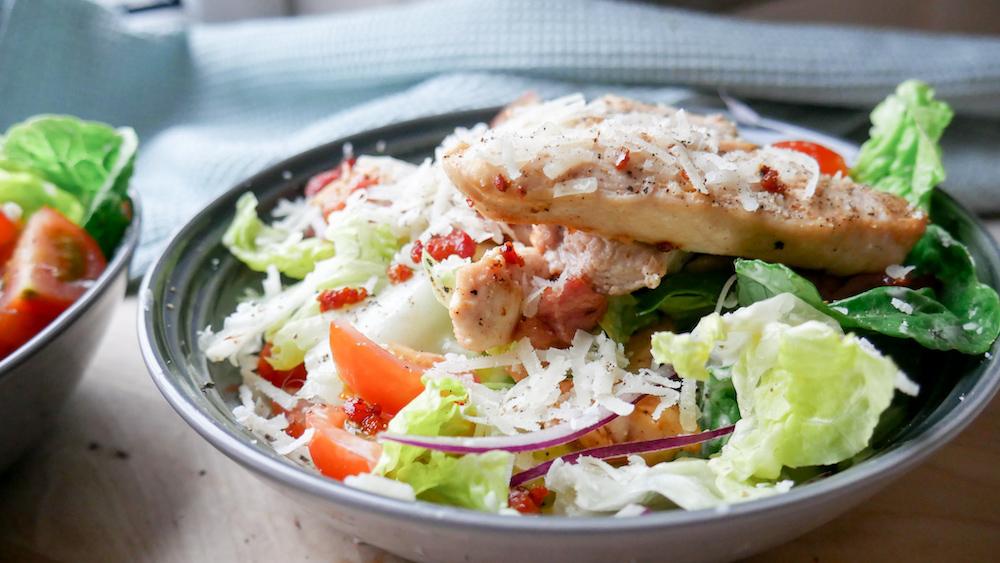 Cæsarsalat med sunnere dressing