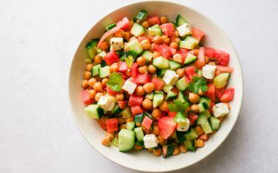 Vannmelon og agurksalat med kikerter